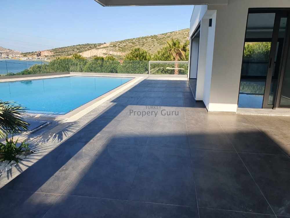5 Bed Villa by the Sea for Sale in Cesme