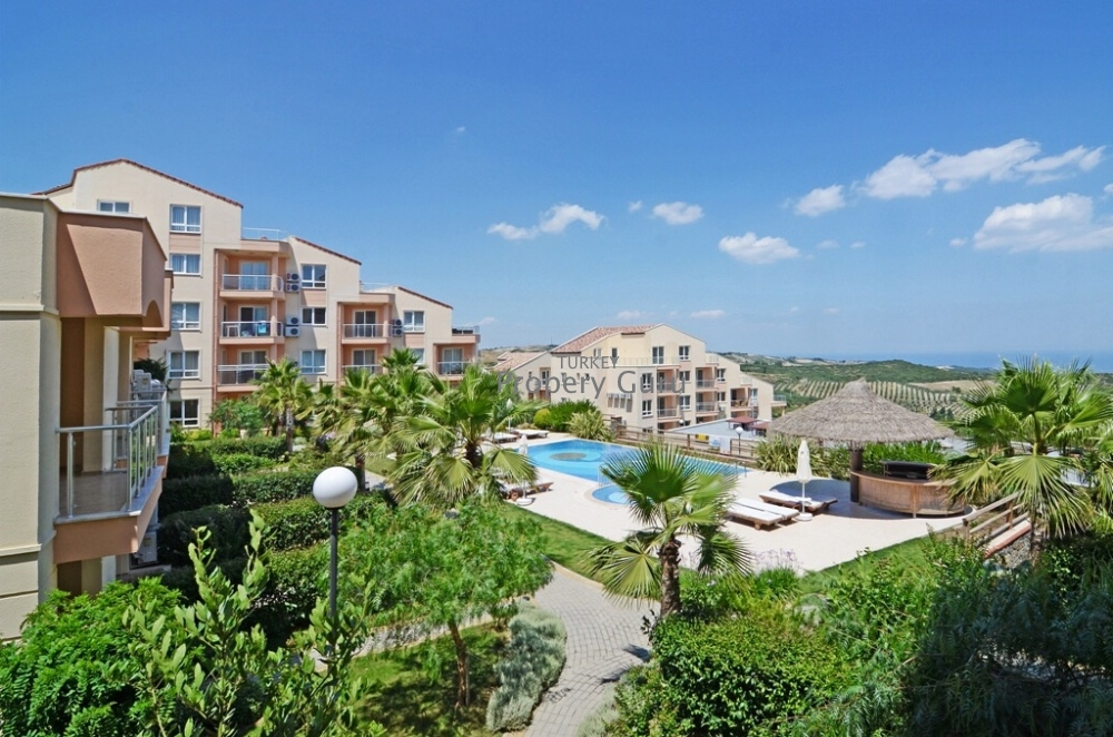 Bargain Golf Apartments for sale in Kusadasi